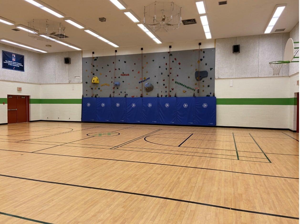 Gym & Climbing Wall